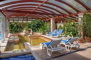 Nyerges Hotel Thermal ***superior u Budapešti ideální pro rodiny + termální wellness, půjčení kol,…...