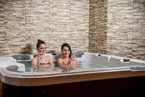 Slovensko pro milovníky relaxace v Hotelu Banderium *** s privátním wellness, vstupem do lázní a…...