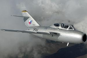 Seznamovací let unikátní českou stíhačkou MiG-15...