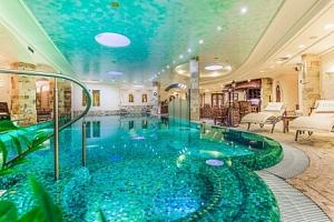 Karlovy Vary: Luxusní Hotel Carlsbad Plaza ***** s neomezeným wellness s 5 bazény a 7 druhy saun +…...